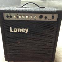 Se regala amplificador de Bajo, marca Laney